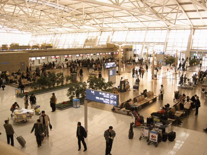 Korea-Incheon-International-Airport-Deperture-lobby-check-in-counter